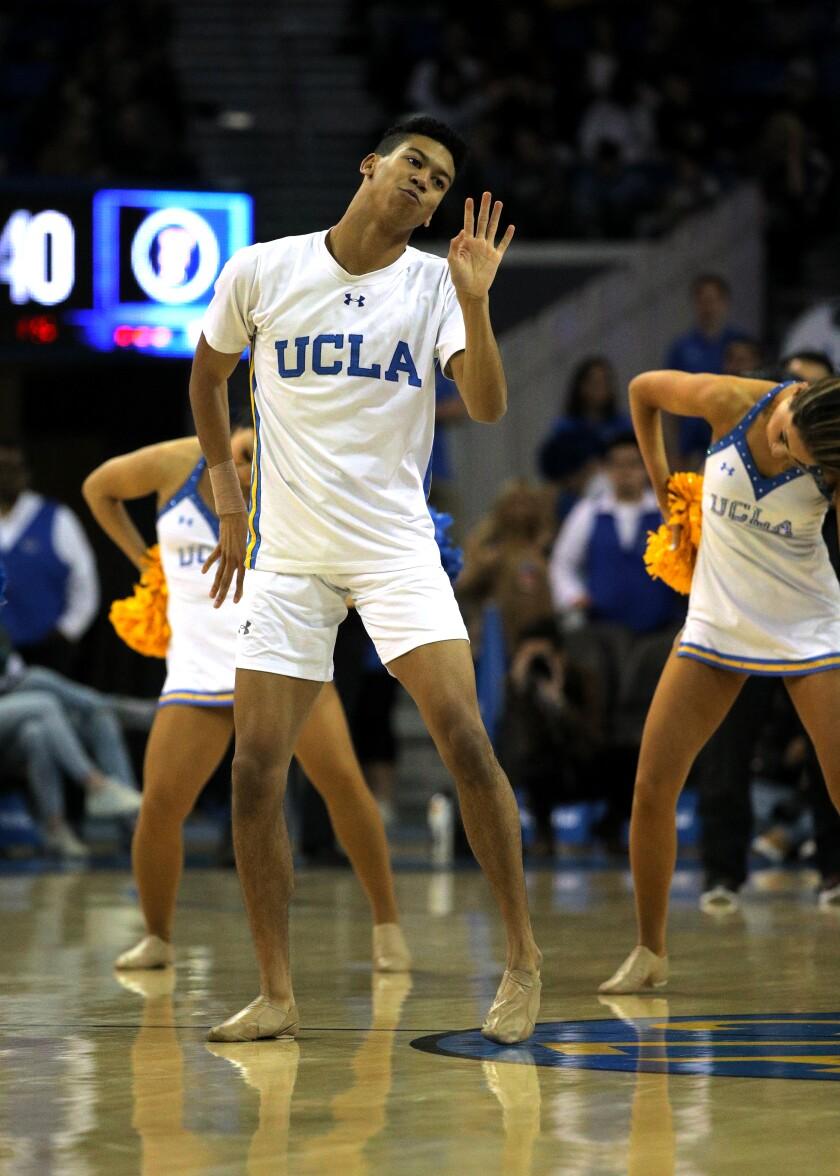 476637_SP_1228_UCLA_mens_basketball_16_GMF.jpg