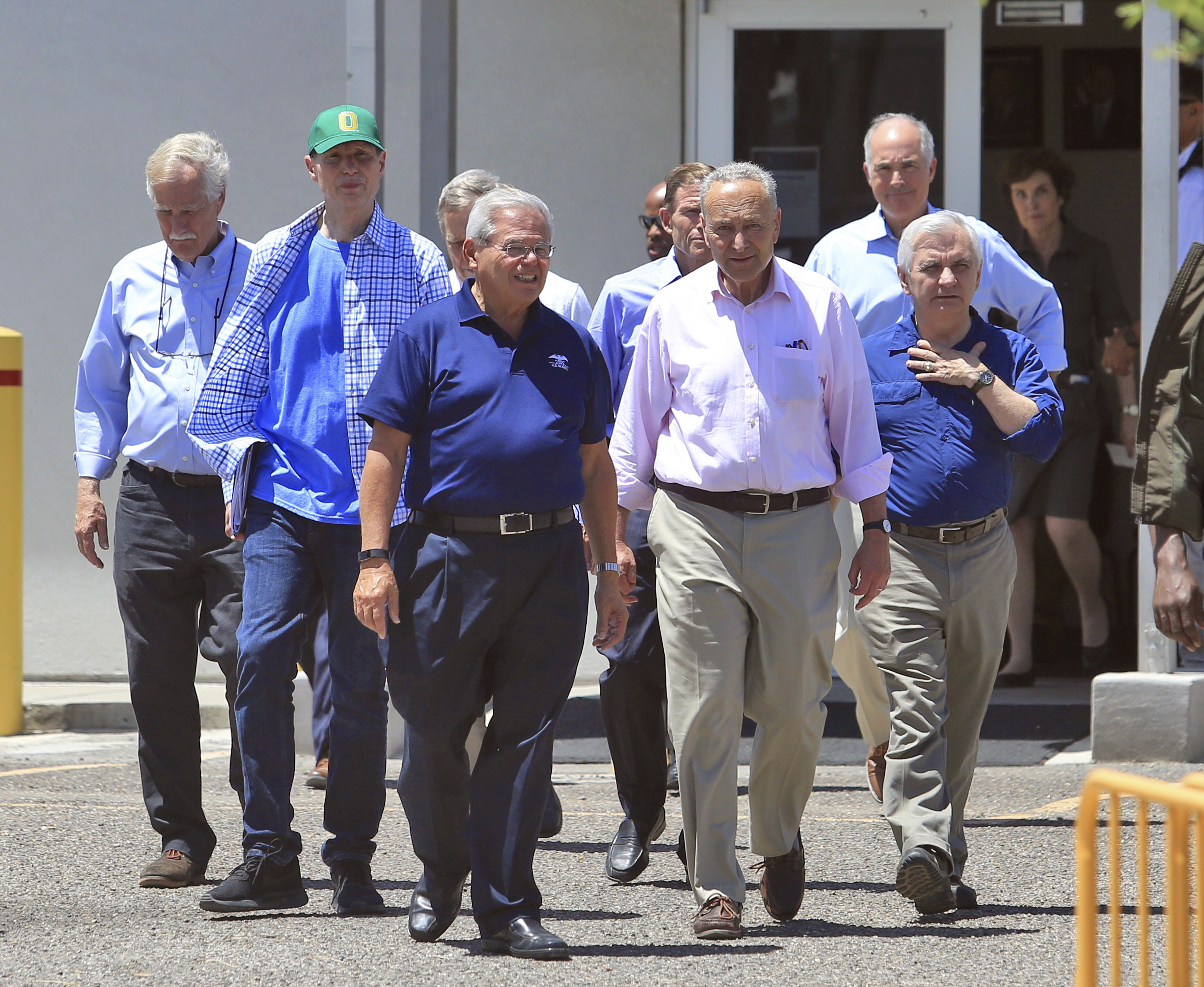 California congresswoman describes tour of Border Patrol detention center