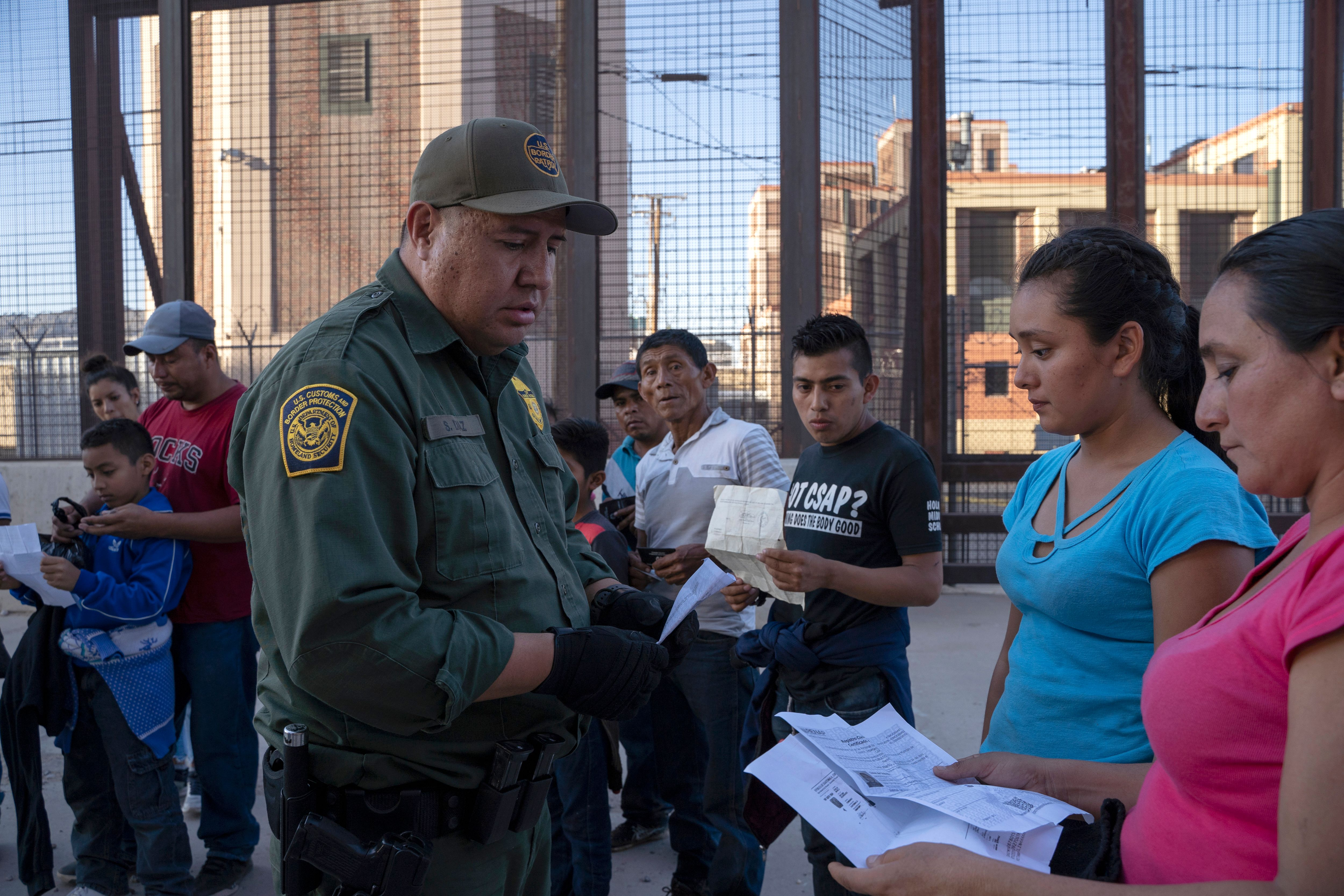 San Diego to receive flights of migrant families from Texas Border Patrol