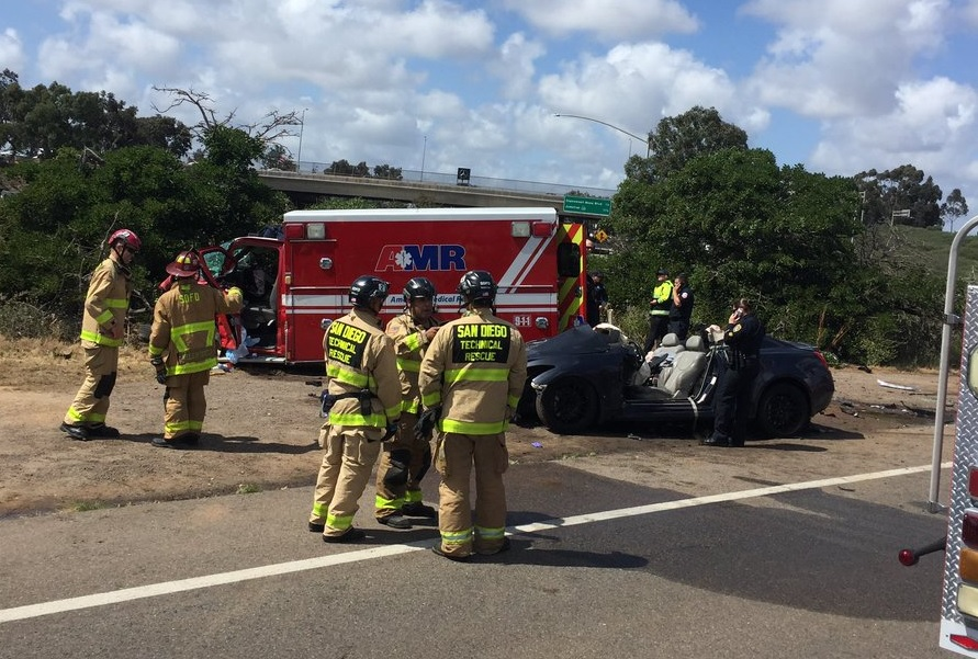 5 injured in crash involving ambulance in Kearny Mesa