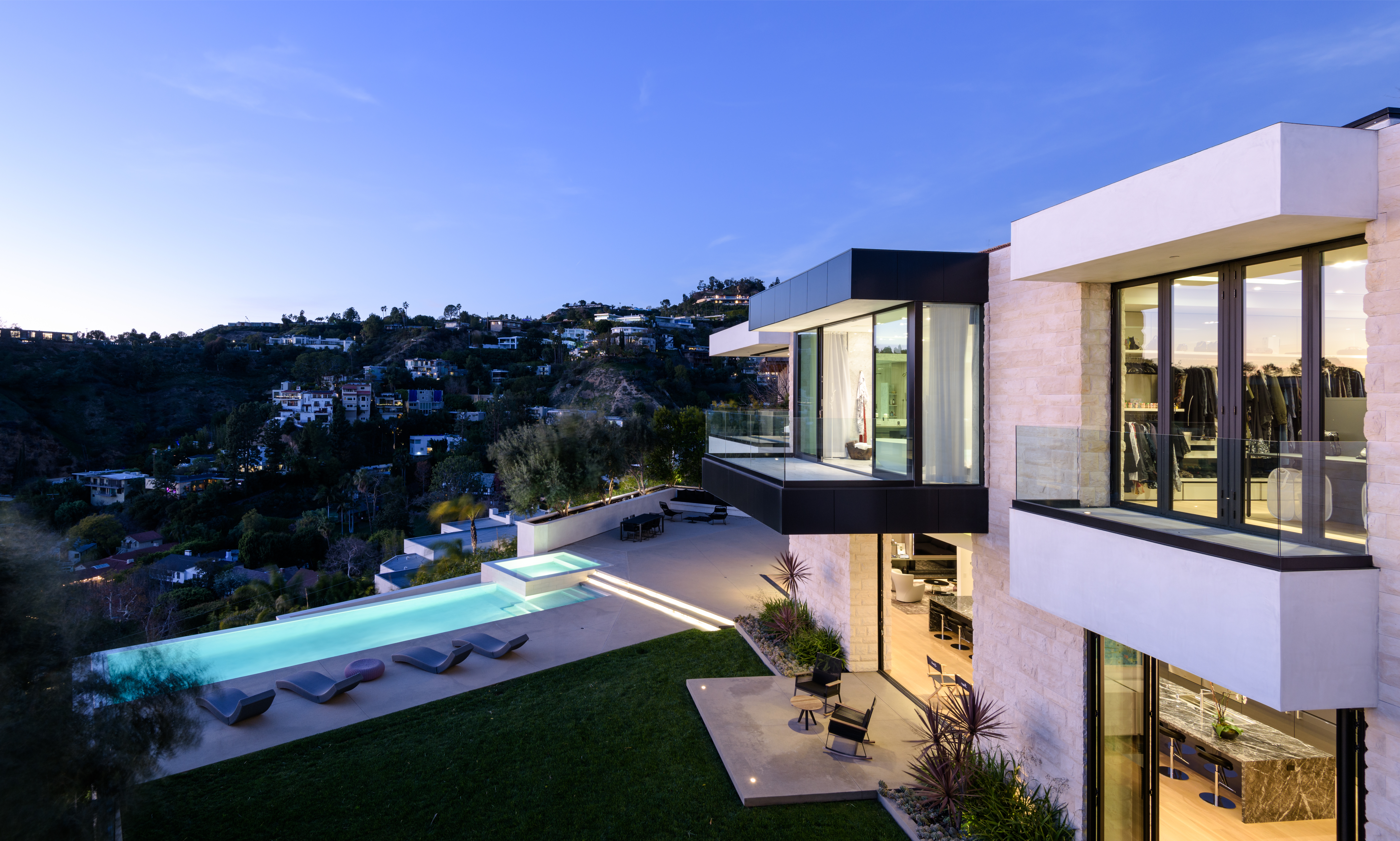 Russell Weiner paid $16.5 million for this L.A. home 2 weeks ago. He's now selling it for $28 million photo