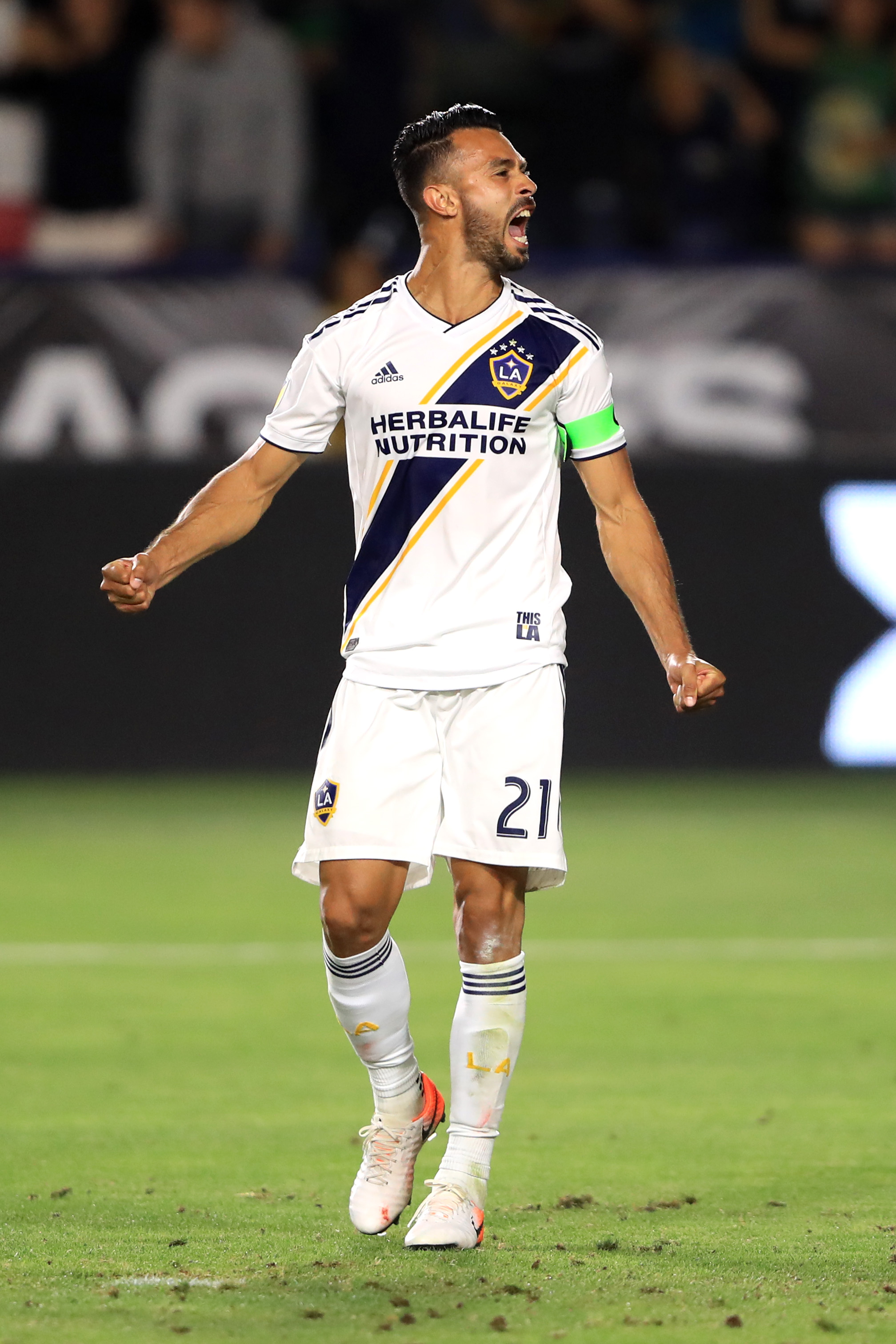 Galaxy gives up decisive goal on late penalty kick in loss to Rapids