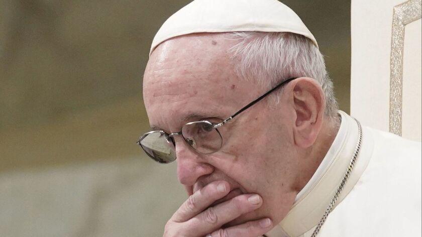 El papa Francisco, pensativo durante su audiencia general semanal en el Vaticano, el 22 de agosto pasado (Andrew Medichini / Associated Press).