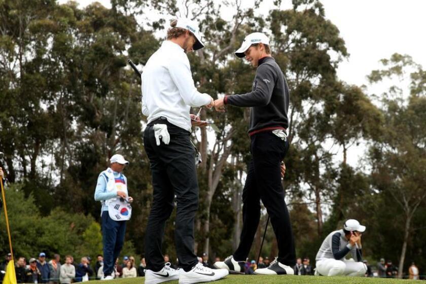 La pareja belga integrada por Thomas Pieters y Thomas Detry, con una tercera tarjeta con 63 golpes (9 bajo par), para un total de 197 (-19), se han situado como líderes de la Copa del Mundo de golf, que se disputa en el Metropolitan Golf Club de South Oakleigh (Australia). EFE