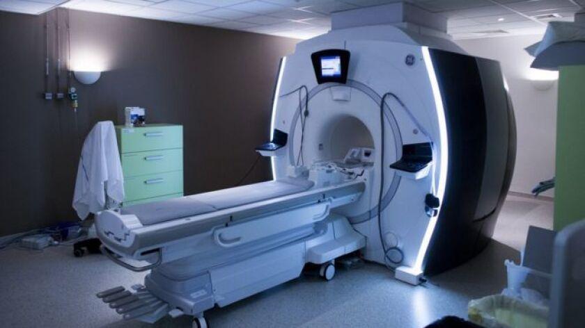 Un hombre de 32 años murió en un hospital de la ciudad india de Bombay tras ser absorbido por una máquina de resonancia magnética.