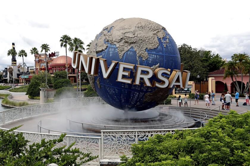 Virus Outbreak-Florida Theme Parks
