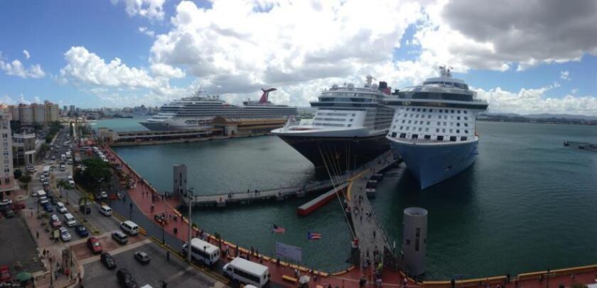 Vista general de unos cruceros en San Juan, Puerto Rico. EFE/Archivo