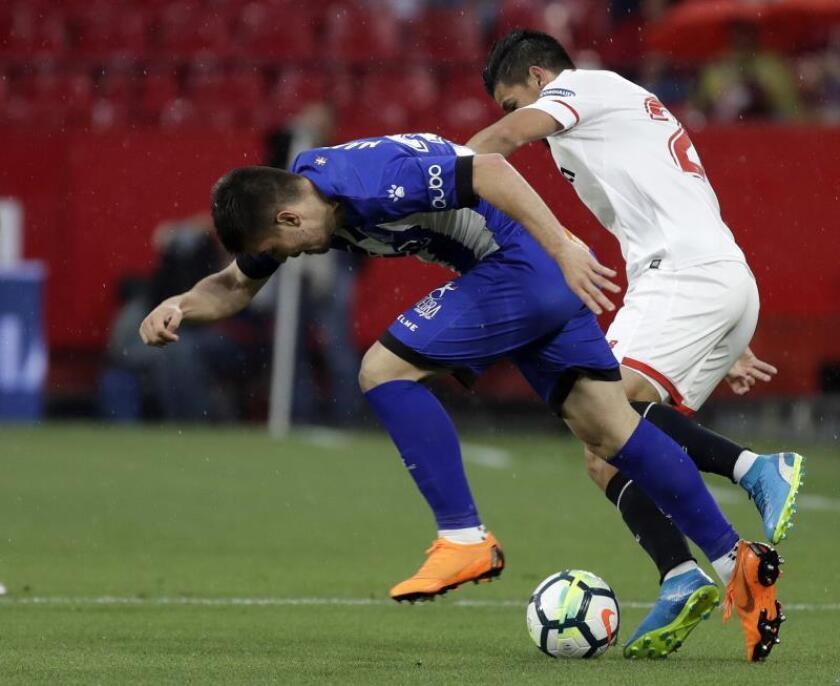 Imagen de archivo de un partido entre Sevilla y Alavés, la pasada temporada. EFE/Archivo