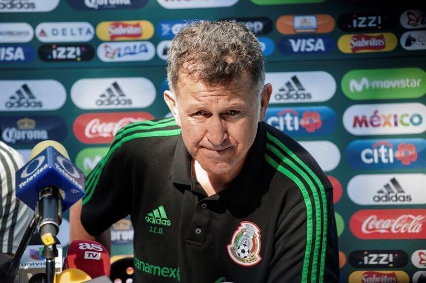 El seleccionador mexicano, el colombiano Juan Carlos Osorio, durante una rueda de prensa de la selección de México. EFE/Archivo