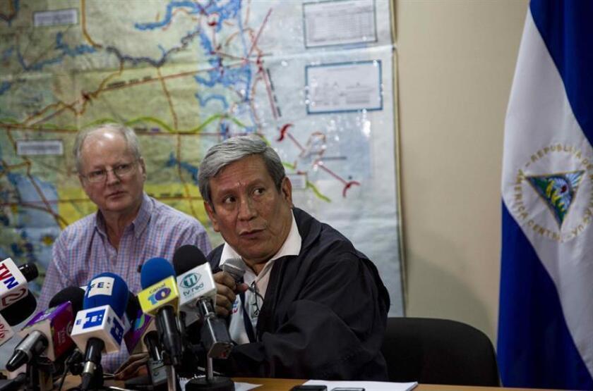 Las autoridades nicaragüenses suspendieron hoy una alerta de tsunami anunciada tras el terremoto de magnitud 7,2 en la escala de Richter que sacudió este jueves el Pacífico norte de Nicaragua, con epicentro en El Salvador.