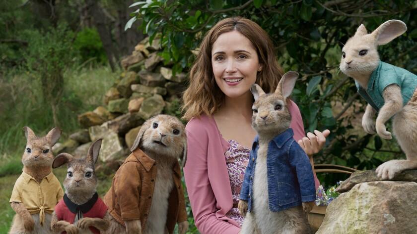 (L-R) - Mopsy (Elizabeth Debicki), Flopsy (Margot Robbie), Benjamin, Bea (Rose Byrne), Peter Rabbit
