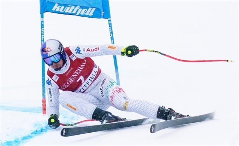 El italiano Dominik Paris hoy durante la Copa del Mundo de Esquí Alpino en Kvitfjell, Noruega. EFE
