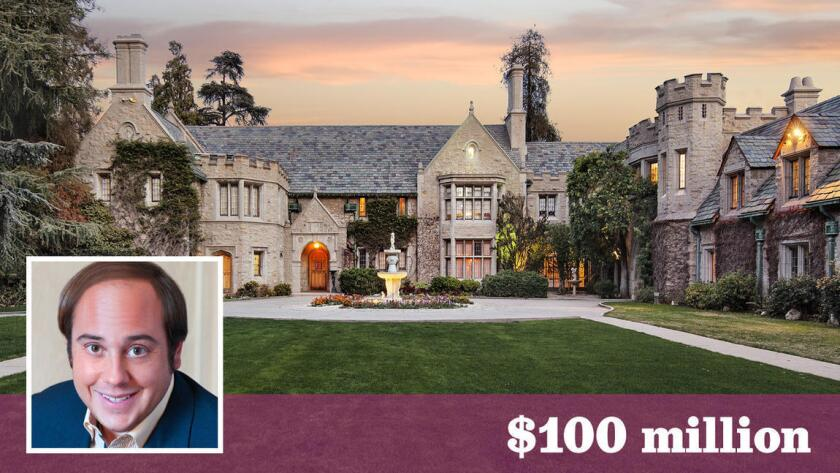 La Mansión Playboy, hogar y cuartel de trabajo de Hugh Hefner durante muchos años, fue comprada por el magnate Daren Metropoulos, de 33 años de edad, por un valor de $100 millones.