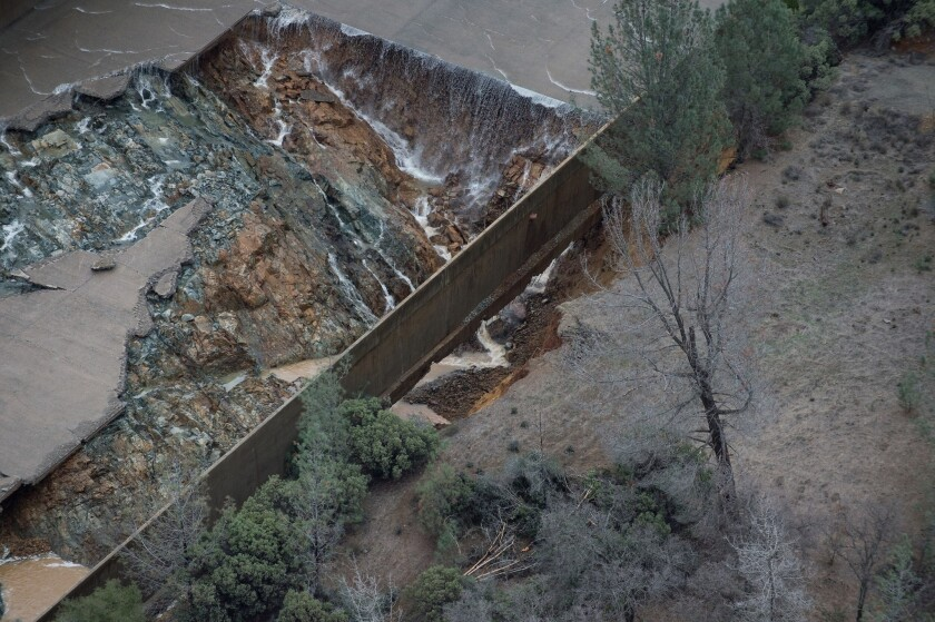 Inside the frantic fight to protect Oroville dam, nation's tallest