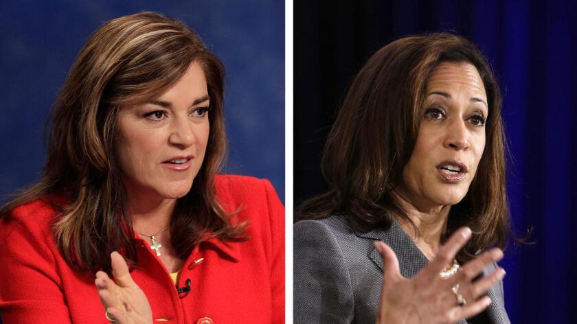 La representante Loretta Sanchez (izq.) y la procuradora general de California, Kamala Harris ().