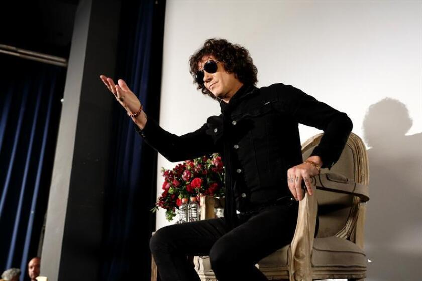 El artista español Enrique Bunbury durante una conferencia de prensa. EFE/Archivo
