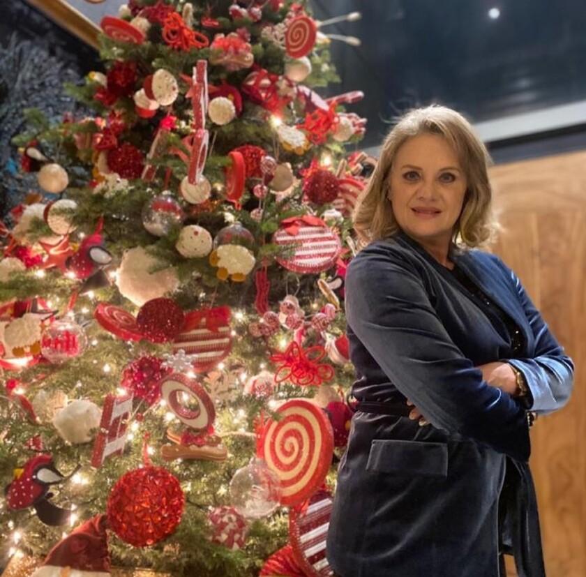 Encienden famosos la Navidad_952698.JPG