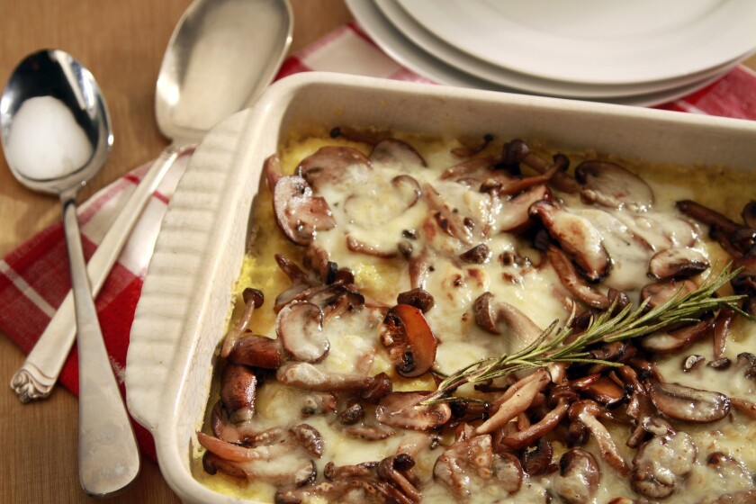 Polenta gratin with mushrooms and fontina.