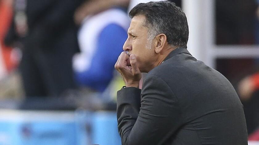 El colombiano Juan Carlos Osorio, entrenador de México, en la paliza ante Chile, en el Levi's Stadium de Santa Clara, California.