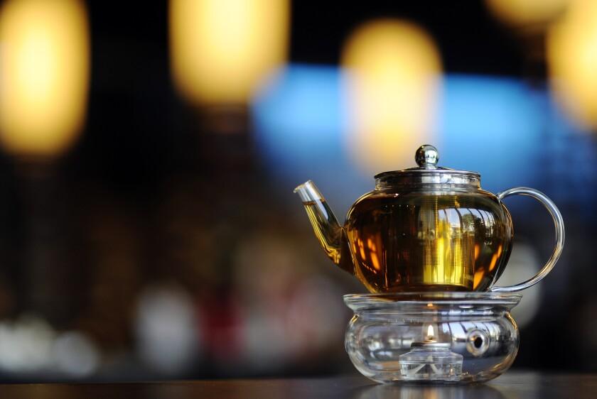 A pot of hot tea at Dongpo restaurant.