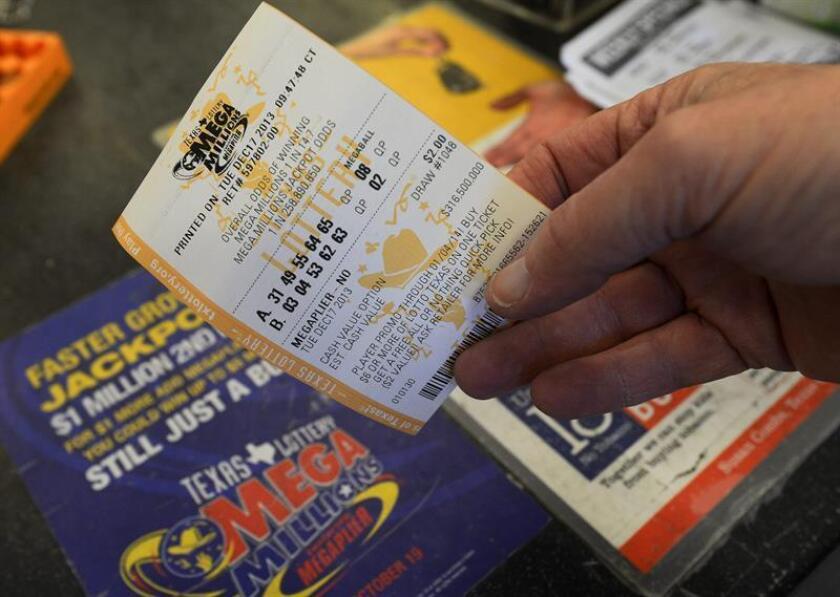 Arrestan a hombre en California por robar boleto premiado con 10 millones