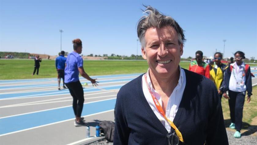 El presidente de la Asociación Internacional de Federaciones de Atletismo (IAAF), el británico Sebastian Coe, posa para Efe en Buenos Aires (Argentina). EFE