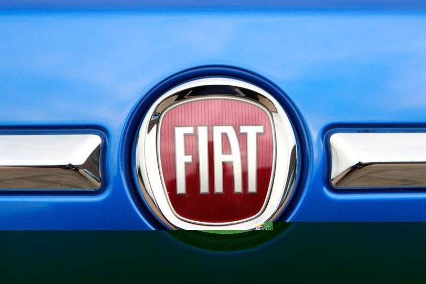 El presidente electo, Donald Trump, acogió hoy favorablemente el anuncio del grupo Fiat Chrysler de que invertirá 1.000 millones de dólares para modernizar sus plantas en Estados Unidos. EFE/Archivo