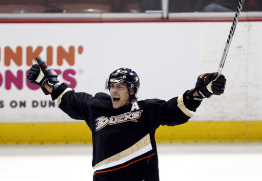 Ducks winger Teemu Selanne celebrates his goal against the Red Wings in the third period of Game 1 on Tuesday night.