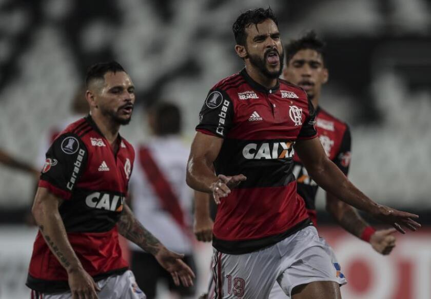 El Flamengo y el Santos mantienen el pulso por el liderato en Brasil