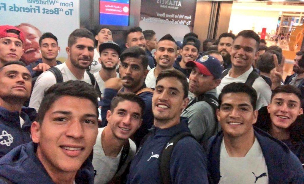 Las Chivas de Guadalajara llegaron a Emiratos Árabes Unidos, donde disputarán el Mundial de Clubes 2018.