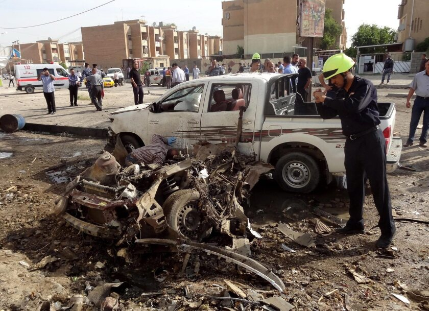 Bombings in Iraq kill more than 30 people