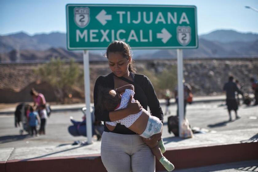Central American members of the migrant caravan in the northern Mexican city of Mexicali continue their trek toward the nearby US border on Nov. 20, 2018. EFE-EPA/Maria de la Luz Ascencio
