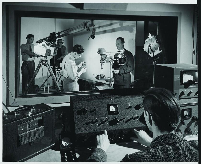 la-et-mn-usc-film-school-90