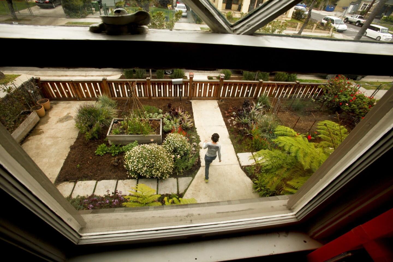 lat-la-lh-burleigh-garden-la0008879094-20130319