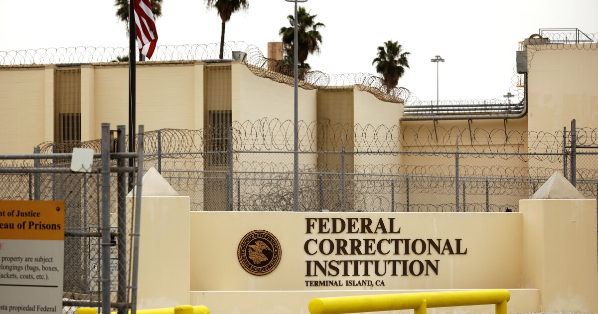 Mistakes worsened deadly COVID-19 outbreak at L.A. federal prison, investigation finds