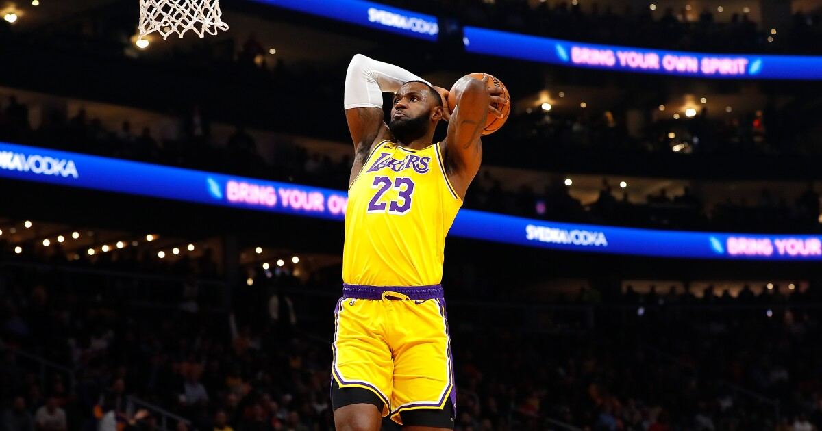 LeBron James puts on a show as Lakers defeat Hawks - Los Angeles Times