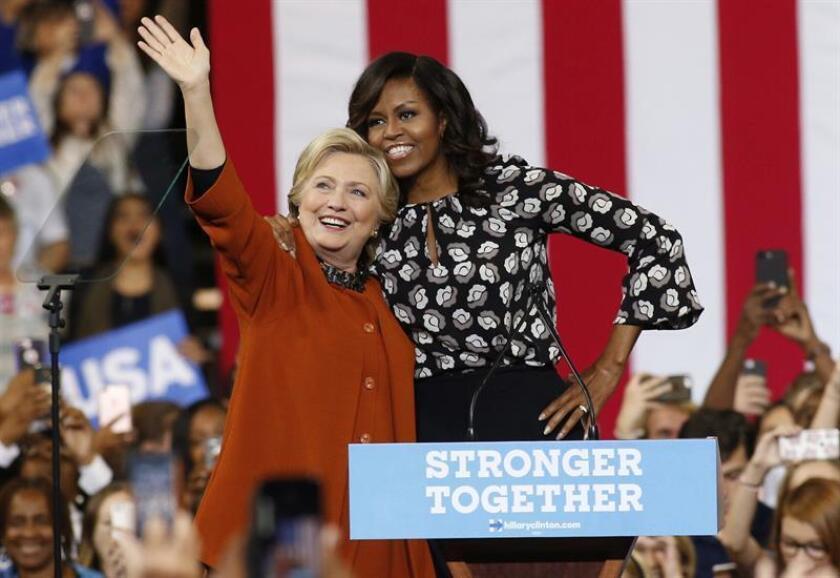 Michelle Obama desbanca a Hillary Clinton como mujer más admirada en el país