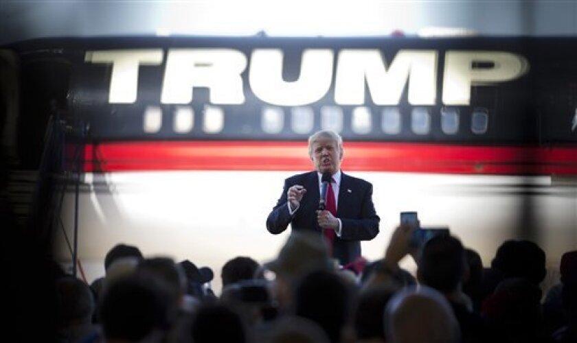 Donald Trump se estrenó hoy como presidente electo de EE.UU. dejando de lado su habitual tono incendiario y llamando a unir el país tras una dura campaña electoral.
