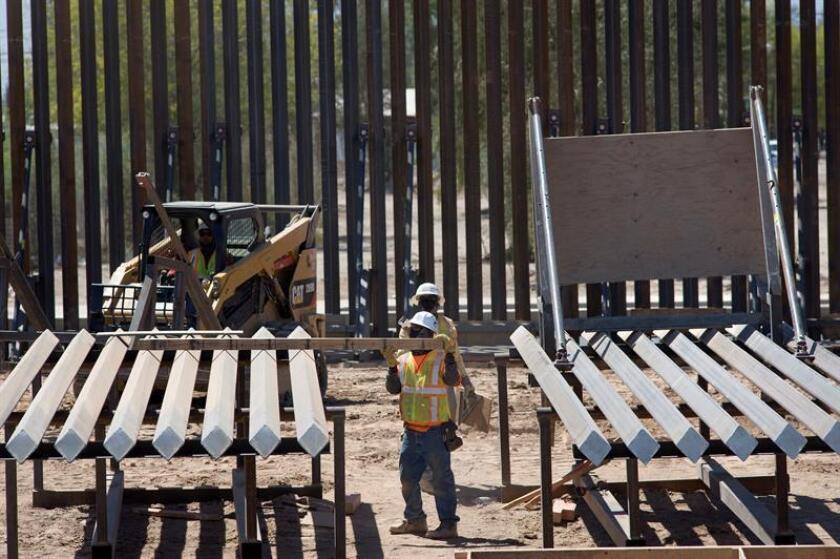 El presidente, Donald Trump, se mostró hoy dispuesto a permitir el cierre de la Administración federal si el Congreso del país no aprueba fondos para avanzar en la construcción de su polémico muro fronterizo con México. EFE/ARCHIVO