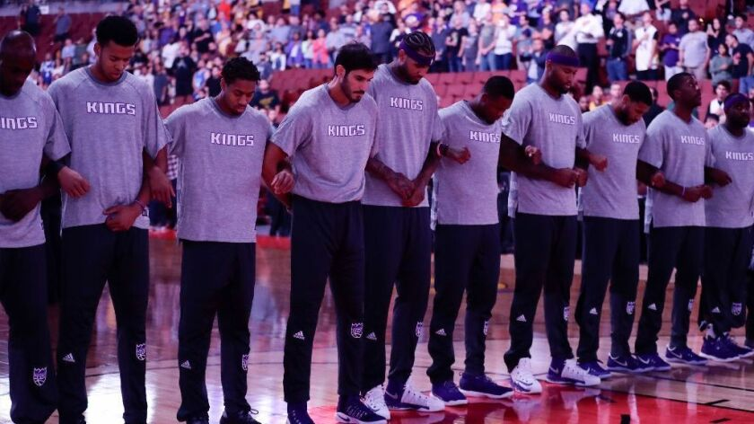 Watch A National Anthem Singer Take Knee In Protest At Nba Game The San Diego Union Tribune