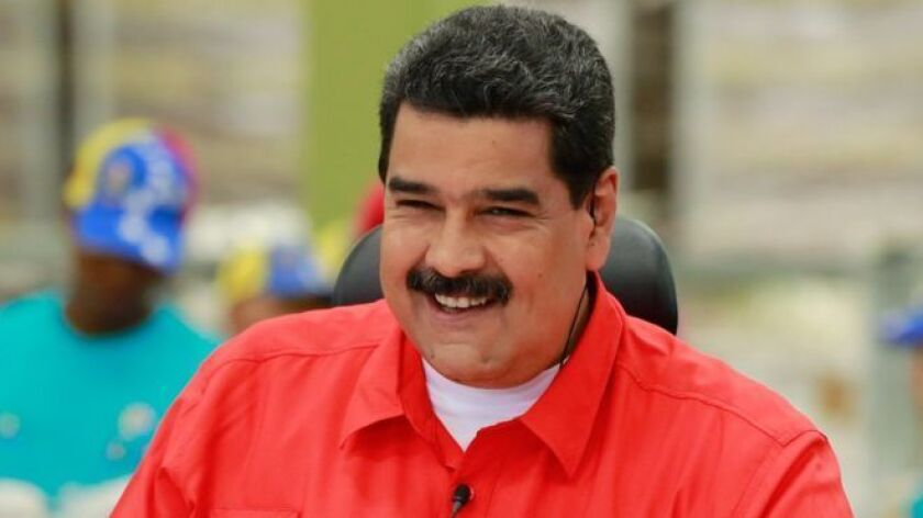"""La Asamblea Nacional de Venezuela, controlada por la oposición, declaró este lunes que el presidente Nicolás Maduro incurrió en """"abandono del cargo"""", lo que intensifica la confrontación política que vive el país."""
