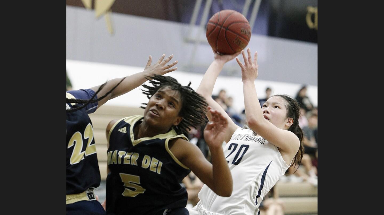 Photo Gallery: Flintridge Prep vs. San Diego Mater Dei Catholic in opening-round girls' basketball CIF State Division III playoffs