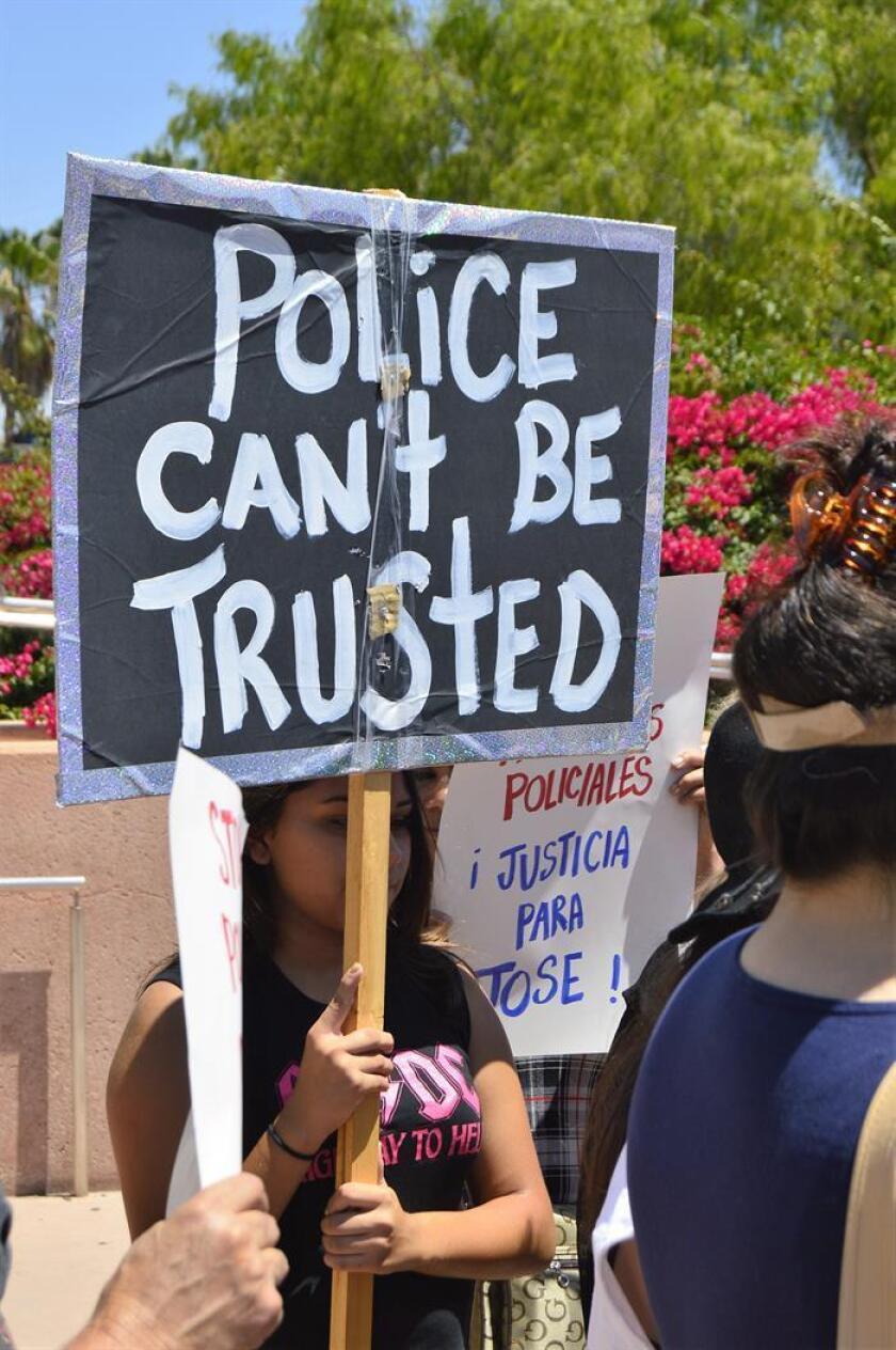 Más de un centenar de activistas, simpatizantes y familiares realizaron hoy una protesta en San Francisco por la muerte de un joven latino indocumentado a causa de numerosos disparos de la policía. EFE/ARCHIVO