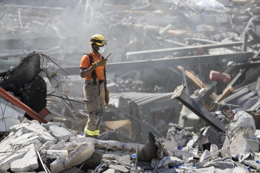 The death toll in the explosion at a plastics factory in the Dominican capital was raised to five on Thursday, when search teams located another body in the rubble of the building. Santo Domingo, Dominican Republic, Dec. 6, 2018. EPA-EFE/Orlando Barria