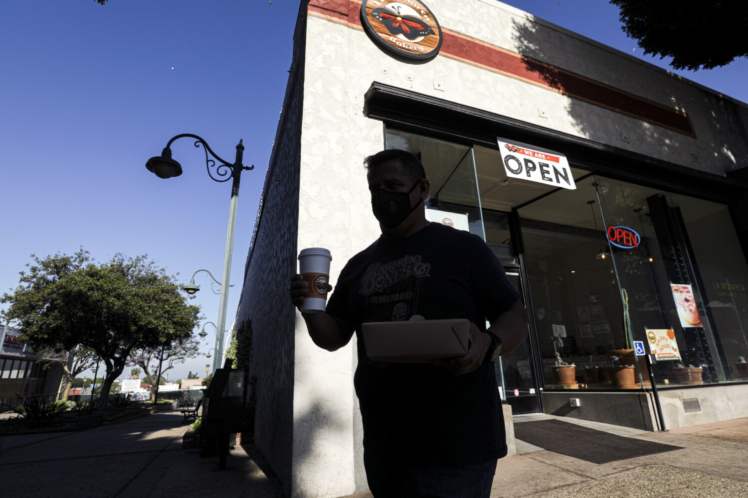COVID-19 restrictions protected California's economy. Now it's poised for a 'euphoric' rebound