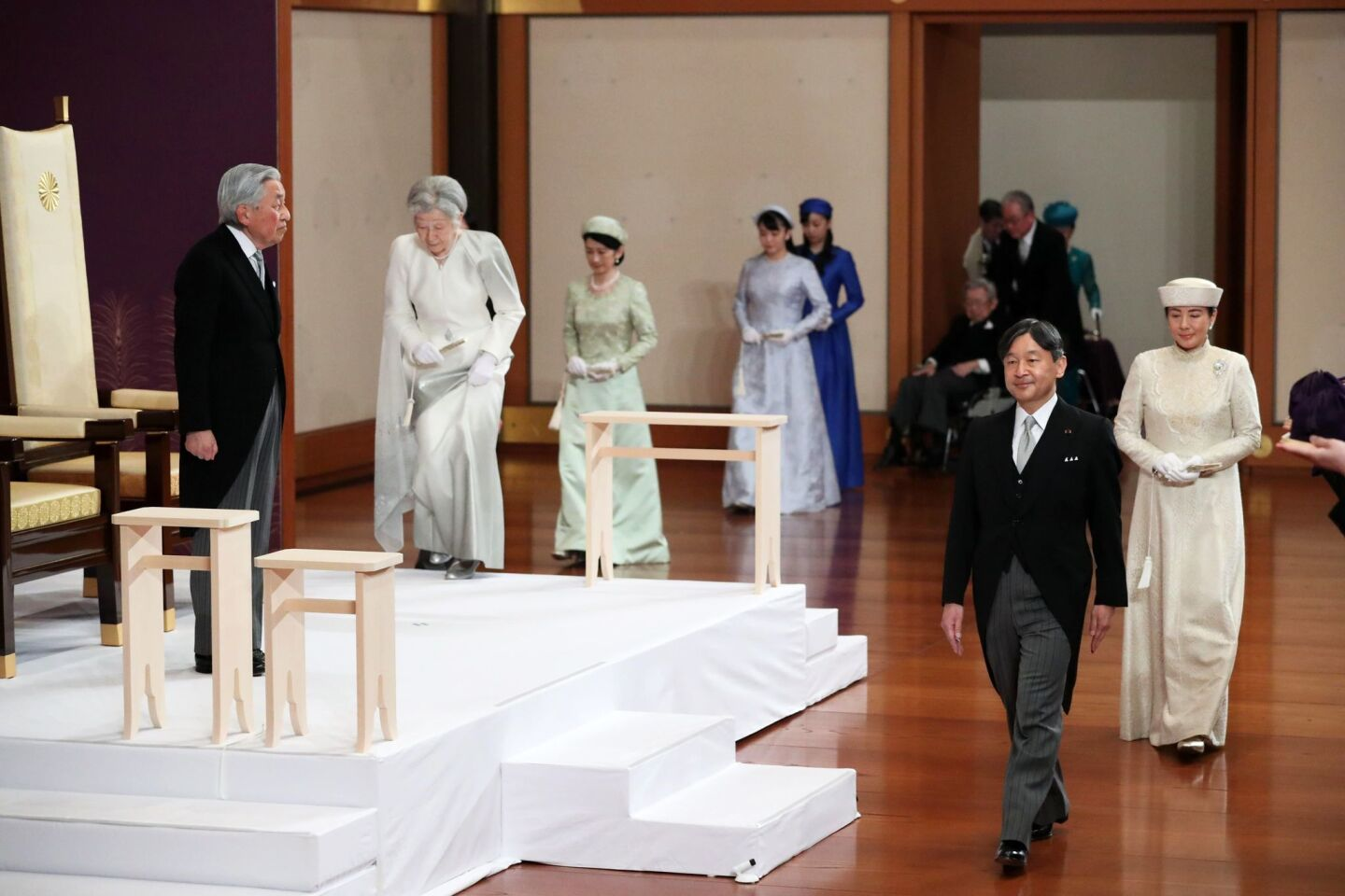 Japanese Emperor Akihito steps down