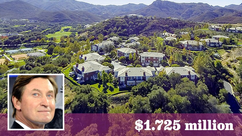 Ice hockey great Wayne Gretzky has sold a townhouse in Thousand Oaks for $1.725 million.