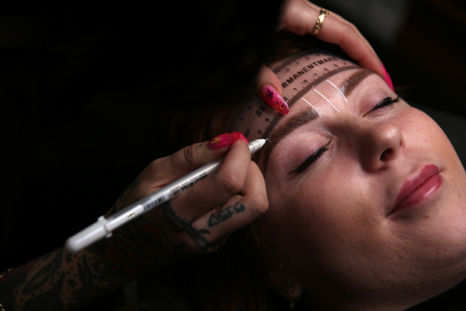The evolution of eyebrow trends - Los Angeles Times