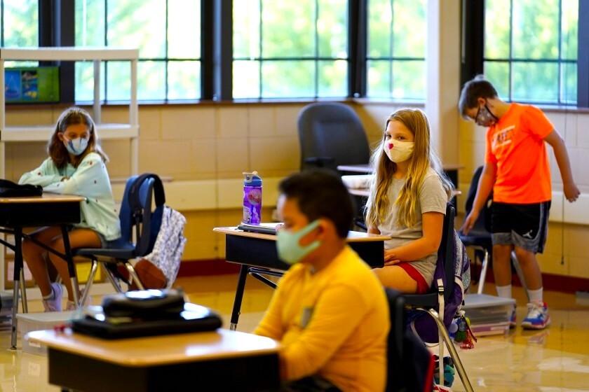 ¿Cuáles son las normas para mascarillas en las escuelas?