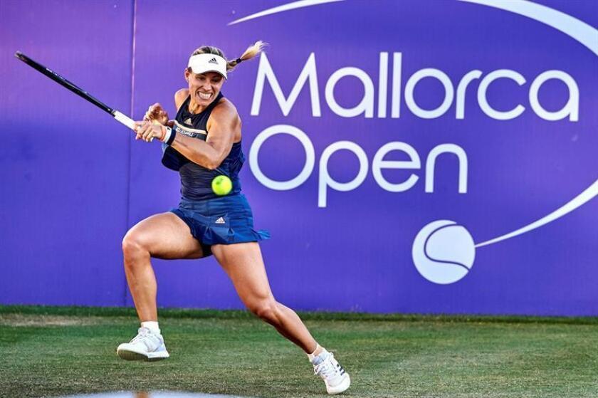 La tenista alemana Angelique Kerber, actual campeona de Wimbledon, será la principal atracción del torneo Mallorca Open que se disputará del 17 al 23 de junio de 2019 en las pistas de hierba del Club de Tenis de Calviá. EFE/Mallorca Open